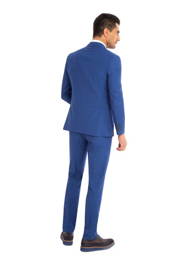 Erkek Giyim - Slim Fit İtalyan Çizgili Takım Elbise