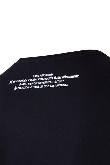 Erkek Giyim - V Yaka Sevgililer Günü Tişört