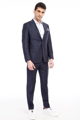 Erkek Giyim - Çizgili Takım Elbise